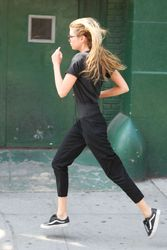 28040484_Stella-Maxwell-out-in-New-York-