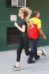 28040489_Stella-Maxwell-out-in-New-York-