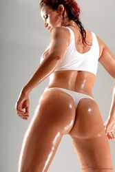 Bianca-Beauchamp-Slippery-Skin-1-g59vrlfbp1.jpg